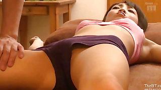 κοκαλιάρικο κορίτσι μεγάλο πουλί πορνό